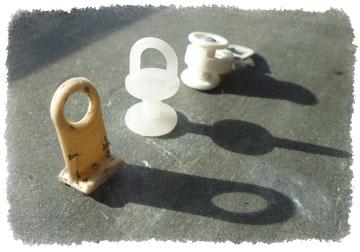 Plastic Gordijn Haakjes : Hjalmar en het gordijnraildingetje